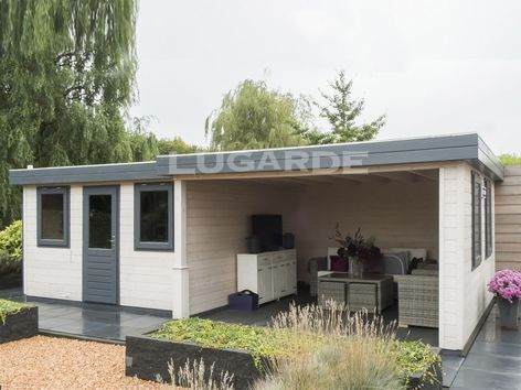 Lugarde Prima Erin flat roof summerhouse with canopy