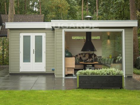 Lugarde Prima Ruby flat roof summerhouse with canopy